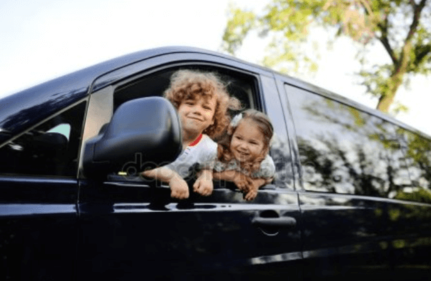 Family minivan hire for Gold Coast vacation